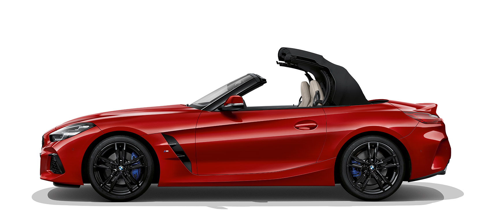 bmw z4 unroadster parmi les voitures de sport. Black Bedroom Furniture Sets. Home Design Ideas